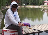 《渔课堂》热天水中无鱼口,老钓手是如何钓到大板鲫的?看到中间能发现技巧