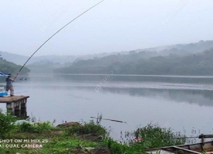 千山湖垂钓中心