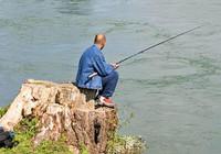 水体深度不同,钓位也要做出不同选择!