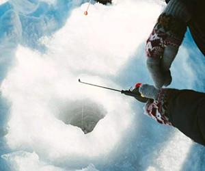 冬季冰钓教你如何找鱼!