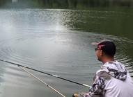 《户外老曹》老曹的胡子到底刮没刮,两条鱼钓上来了吗?钓友们快来围观!