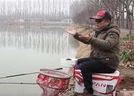 《渔课堂》钓鱼越钓越远是怎么回事?老钓友一说立马明白了!