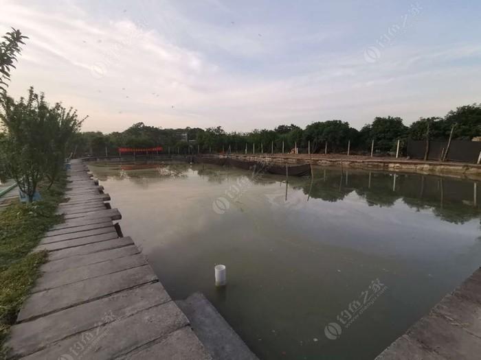 路平休闲渔村