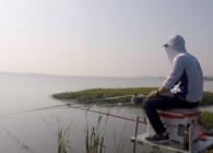 《白條游釣》水庫堅守2天1夜 浮漂下頓揚竿中魚 桿子被拉嗚嗚響