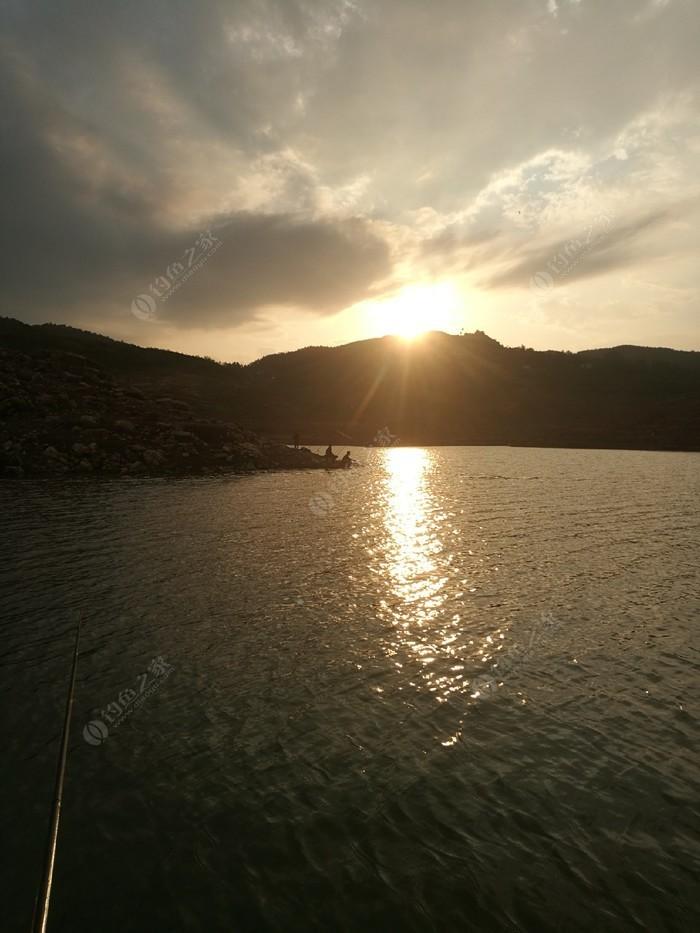 吱嘎阿鲁湖