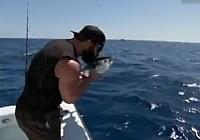 《钓鱼视频》第1集 懒人钓鱼法