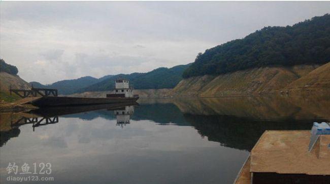鸭绿江水丰湖